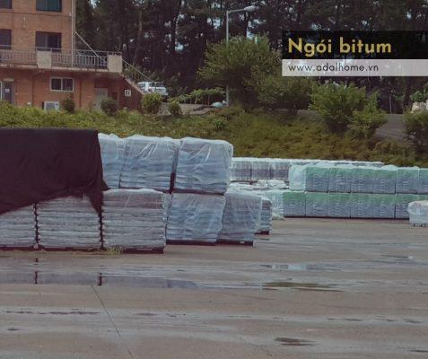 Hình – Ngói bitum CANA đang được tập kết tại nhà máy ở Hàn Quốc