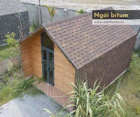 Hình – Nhà gỗ với ngói lợp nhà bằng bitum